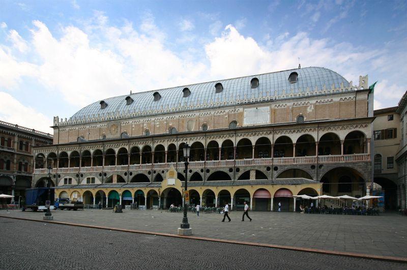 Palazzo_della_Ragione