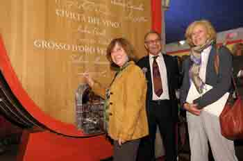 Premio-Masi-Alexievich-firma-botte