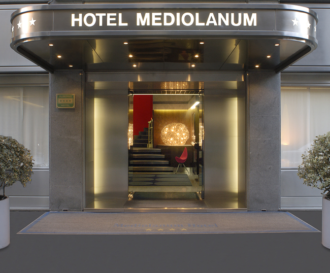Hotel-Medionalnum-Main-Entrance
