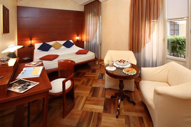 Hotel-Sanpi-Deluxe-Room