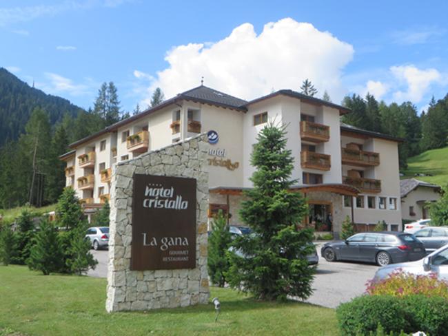Hotel-Cristallo-esterno-byluongo