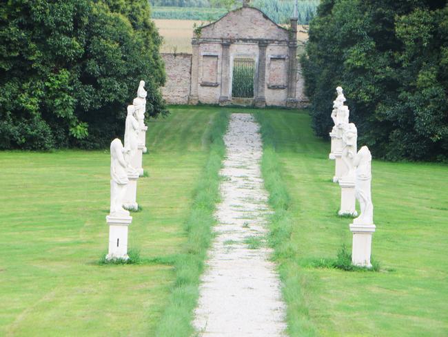 Villa-Giustinian-giardino 2