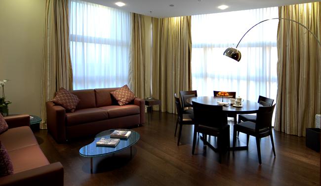BHR-Treviso-Hotel-Suite-Presidenziale-Boardroom