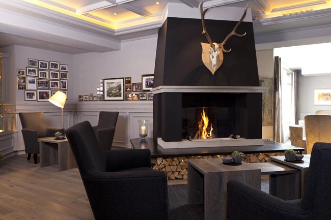 Hotel-Gardena-Ortisei-Hall-camino-by-Anneliese Kompatscher