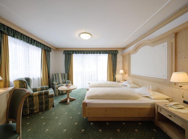 Hotel-Gardena-Ortisei-camera-byEgon-Dejori