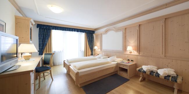 Hotel-Gardena-Ortisei-suite-byEgon-Dejori