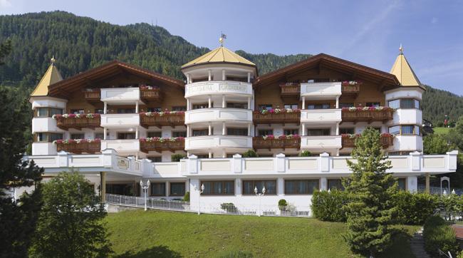 Hotel-Gardena-Ortisei-summer-byEgon-Dejori