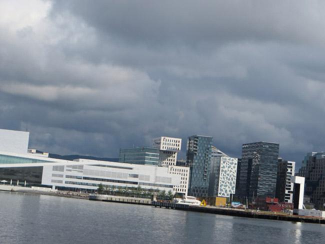 Oslo-veduta-dal-fiordo-byLuongo