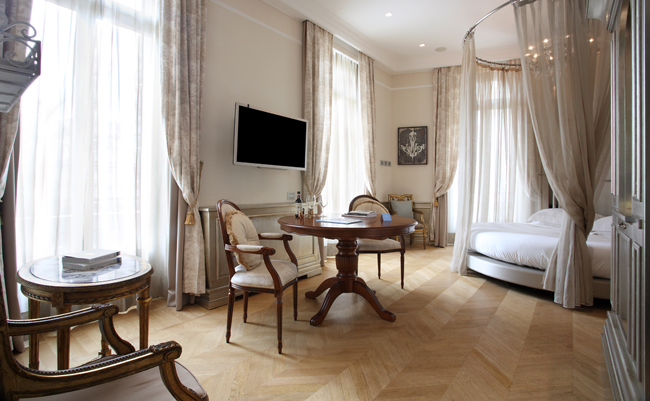 Chateau-Monfort-Milano-Suite-Traviata