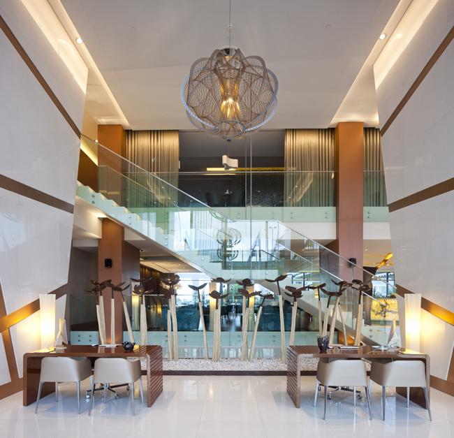 Epic-Sana-Lisboa-Hotel-Hall