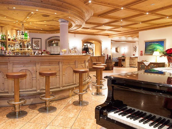 Hotel-Oberwirt-Marlengo-LoungeBar