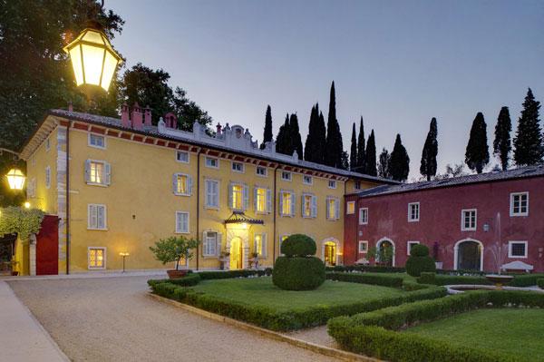 Villa-Cordevigo-Wine-Relais-corte