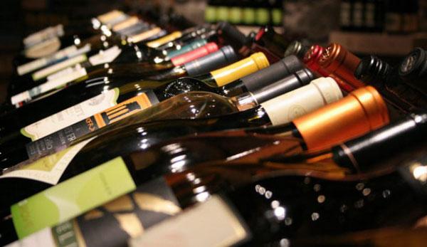 Grande-distribuzione-vini-scaffali