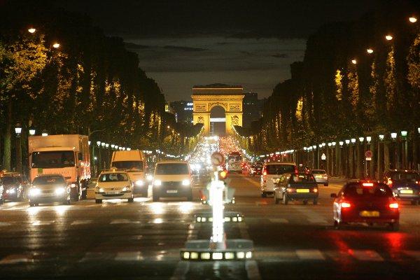 Parigi-Avenue-des-Champs-Elysees