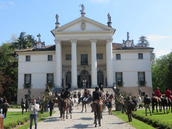 Villa-Sandi-Caccia-alla-volpe-home-byluongo