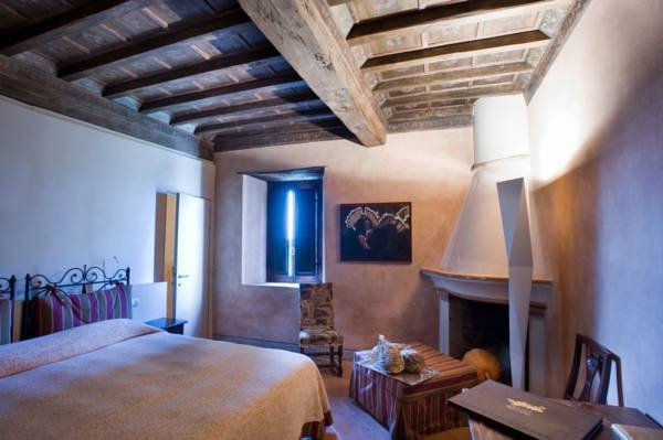 Antica-Corte-Pallavicina-room