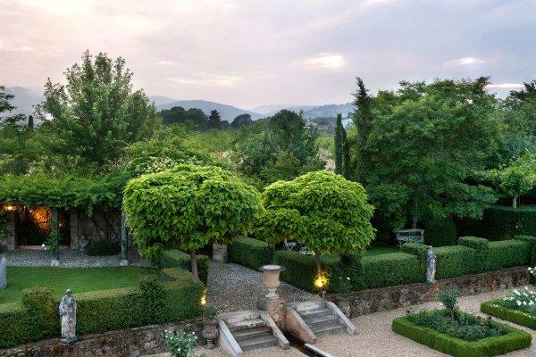 Borgo Santo Pietro © Andrea Jones/Garden Exposures Photo Library