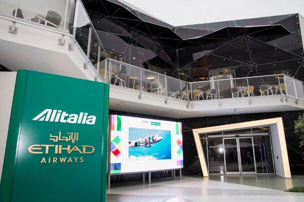 Padiglione-Alitalia-Etihad-Airways