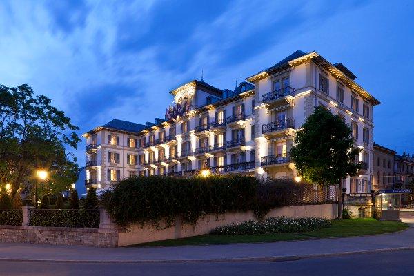 Grand-Hotel-Du-Lac-by-night