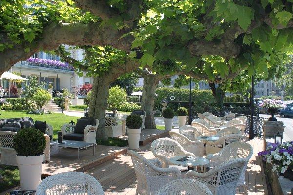 Grand-Hotel-Du-Lac-marina-lounge-garden