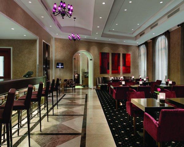Kempinski-Hotel-Cathedral-Square-LeSalonBar-Lounge