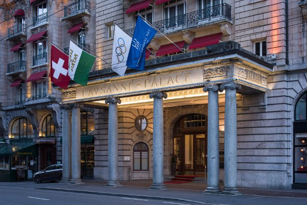 Lausanne-Palace-Spa-facade