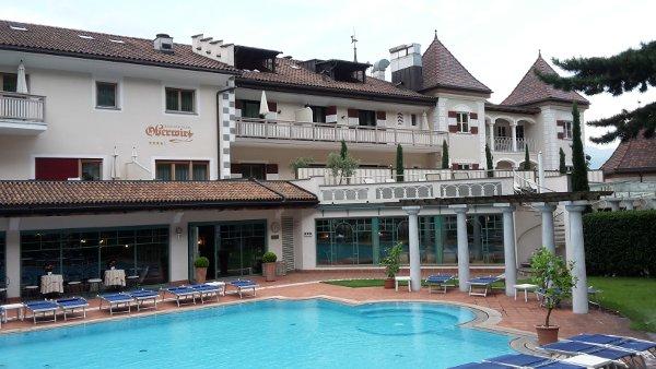 Romantik-Hotel-piscina-byluongo