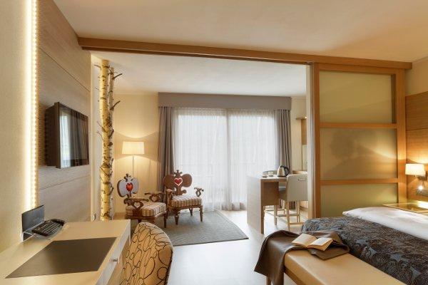 Napura-Art-Hotel-junior-suite