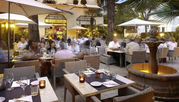 Bistrot-Terrasse- Hotel-Juana-Antibes