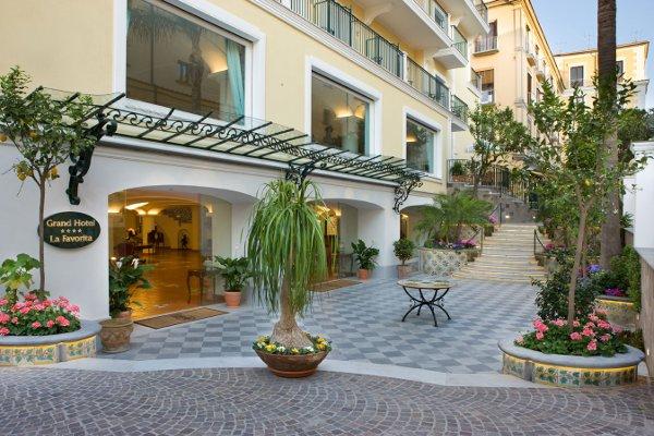 Grand-Hotel-La-Favorita-ingresso