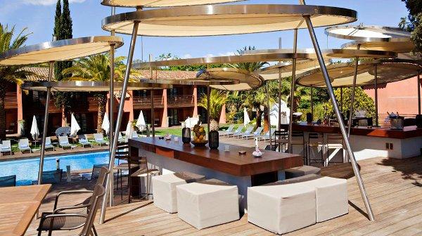 Hotel-Benkirai-Saint-Tropez-bar