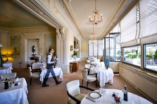 Les-Trois-Couronnes-Gastronomic-restaurant