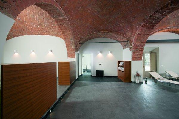 Resort-Borgo-San-Felice-centro-benessere