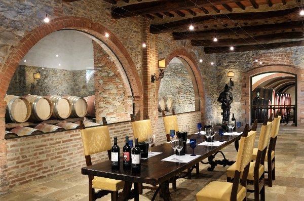 Resort-Borgo-San-Felice-degustzione