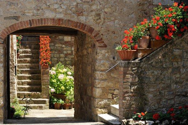 Resort-Borgo-San-Felice-entrata-nuovo-frantoio