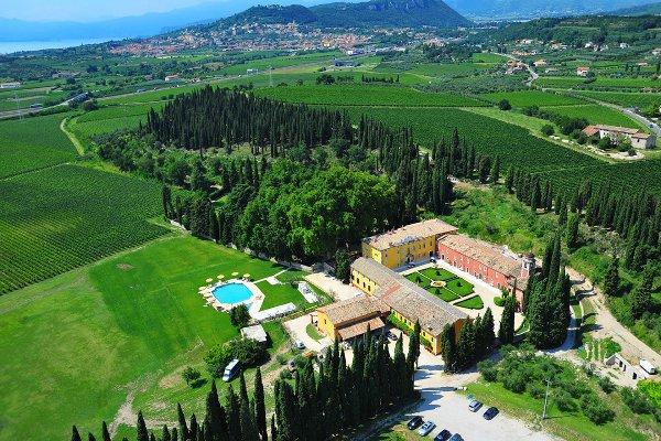 Presentazione-Menu-Rispetto-Villa-Cordevigo-panoramica