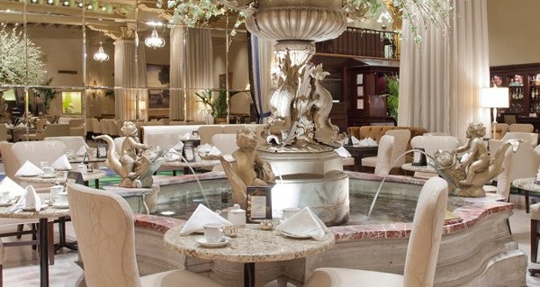 Afternoon- Tea-Palm-Court-the-drake-hotel-chicago