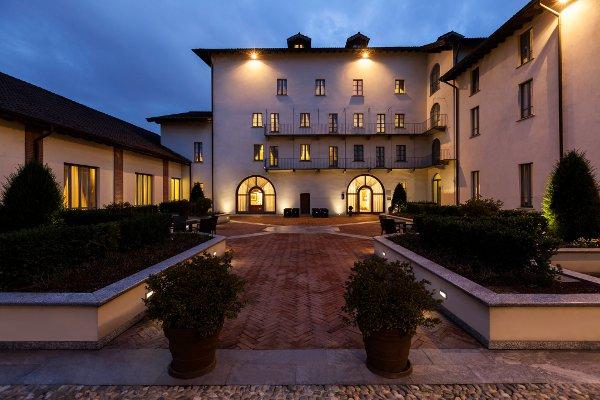 code 7503, Grand Hotel Villa Torretta, building