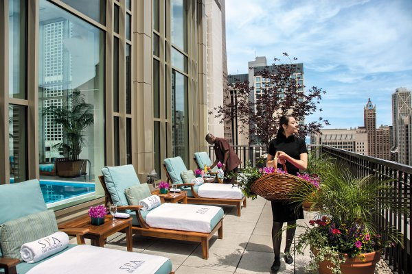 The-Peninsula-Chicago-Spa-Sundeck