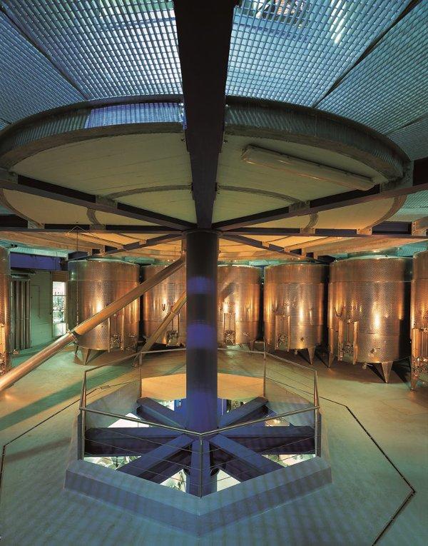 Lageder-Torre-di-vinificazione