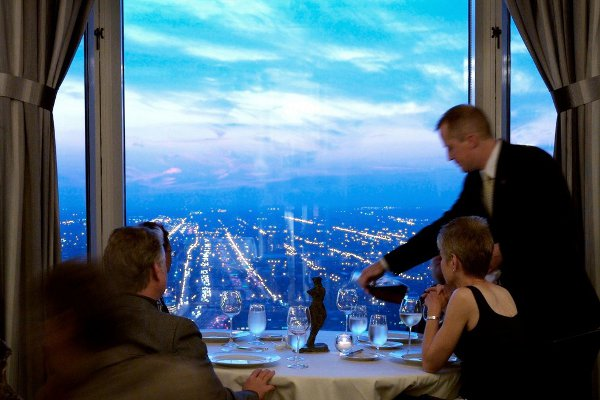 everest-restaurant-chicago