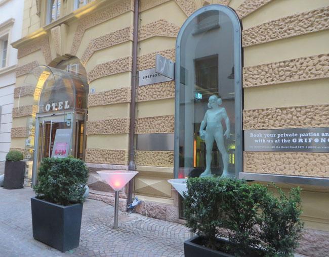 Hotel-Greif-Bolzano-byluongo