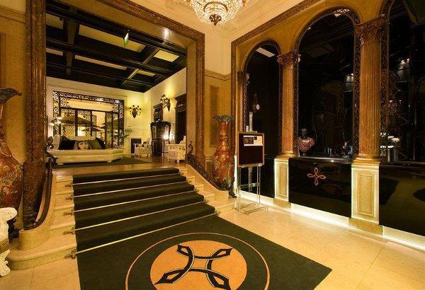 Hotel-Infante-Sagres-reception