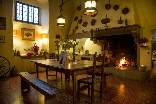 Villa-Medicea-di-Lilliano-cucina