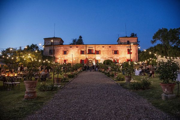 Villa-Medicea-di-Lilliano-night