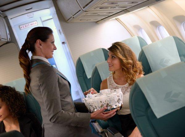 AIR DOLOMITI style-servizio-di bordo