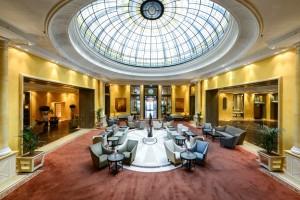 Bayerischer-Hof-Atrium-by-Benjamin-Monn