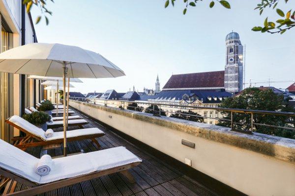Bayerischer-Hof-Blue-Spa_Terrasse-byBenjamin-Monn