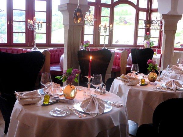 Restaurant-Romantik-Hotel-Turm-byluongo
