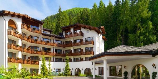 Alpine lifestyle Arabella Hotel Waldhuus destination